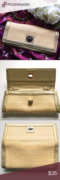 Sondra Roberts // Straw Woven Clutch Gold Piping A great summer clutch from Sondra Roberts. Straw weave with faux leather gold piping. Two open pockets and a zippered pocket inside. Flap closure with a twist lock. Features two loops on the inside to attach your own strap. Has been used and can see some of the straw has broken on the top top. Still in great condition. Sondra Roberts Bags Clutches & Wristlets