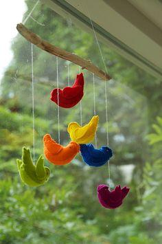 little rainbow birdies by oranjebehang, via Flickr