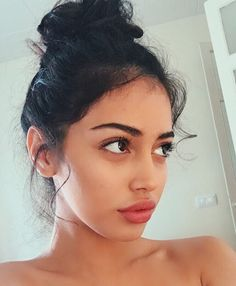 Image uploaded by naerieden. Find images and videos about beauty, lips and cindy kimberly on We Heart It - the app to get lost in what you love. Beauty Make-up, Beauty Hacks, Hair Beauty, Pretty People, Beautiful People, Pretty Face, Natural Makeup, Makeup Looks, Hair Styles