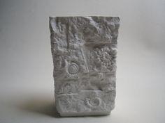 AK Kaiser VASE Weiß FOSSILIEN Ammonit Muschel Bisquit matt 134 Relief M. Frey in Antiquitäten & Kunst, Porzellan & Keramik, Porzellan | eBay