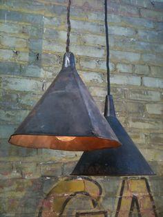 Lámpara de embudo reciclado.19bis.com