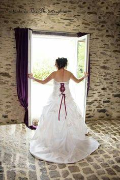 Reportage de mariage  Les préparatifs Le portrait de la mariée  Www.instantsdeviephotographie.fr Www.Facebook.com/instantsdeviephotographie