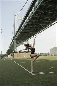 BALLERINA ON A SOCCER FIELD!!! FOR MY DELANEY Puanani - Randall's Island, New York City Help the continuation of the Ballerina Project Follow the Ballerina Project on Facebook, Ins...