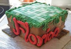 Diese TolleTorte stammt aus der Küche von Sarah. Ein Muss für jeden Minecraft-Fan! Das grüne Grass bekommt Ihr ruck-zuck mit unserem Fondant-Extruder hin:  http://www.tolletorten.com/Werkzeuge-Hilfsmittel/Werkzeug/Fondant-Extruder::2107.html?utm_source=Facebook&utm_medium=Post&utm_campaign=FBExtruder