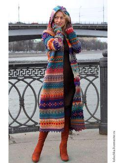 Купить или заказать Пальто 'Жизнерадостное 2014' в интернет-магазине на Ярмарке Мастеров. Яркое, жизнерадостное весеннее (осеннее) пальто. Связано из тонкой экологически-чистой овечьей пряжи. Перед сборкой детали пальто заваляны, что делает вещь менее продуваемой в ветреную погоду и не дает полотну деформироваться (растягиваться) во время носки. Не смотря на то, что пальто достаточно тонкое, оно очень теплое. Носить можно от +10 и выше. Авторская работа.