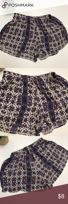 Brandy Melville tribal boho festival shorts S Elastic waistband. 🌴can be worn as PJ sleep shorts. 🌴Gently used condition no stains no holes Brandy Melville Shorts