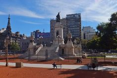 Monumento de los Dos Congresos en la Plaza del Congreso de Buenos Aires, Argentina