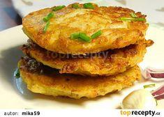 Salmon Burgers, Pancakes, Ethnic Recipes, Food, Essen, Pancake, Meals, Yemek, Eten