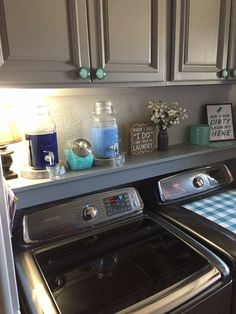 Do you want to design a laundry room that is easier, more useful and user-friendly? Here are just 6 easy ways to help you realize your dream laundry Extraordinary Small Laundry Room Design and Decorating Ideas – Modest Laundry Space >> AERO. Small Laundry Rooms, Laundry Room Design, Laundry In Bathroom, Basement Laundry, Basement Storage, Washroom, Laundry Decor, Laundry Area, Laundry Room Ideas Garage