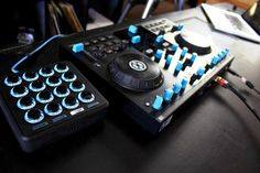 Midi Fighter 3D that blue though