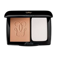 Guerlain has created its first compact powder foundation so light that it blends seamlessly, like a second skin. The Bio-Fusion micro-mesh, a combination of stretch fibres and textile proteins of natural origin fuse with the epidermis for an optimal distribution of pigments. Powders, chosen for their capacity to marry a soft-focus effect with ideal coverage, fuse and melt at skin temperature. This unique technology promotes a smooth, soft and long-lasting finish, for an even complexion...
