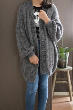 Oversized Chunky Knit Sweater Parisian gray color Open style Knit Cardigan Outfit, Pullover Outfit, Knit Cardigan Pattern, Oversized Knit Cardigan, Cardigan Sweaters For Women, Sweater Outfits, Cute Outfits, Pijamas Women, Knitwear Fashion