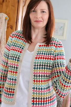 Ravelry: Project Gallery for A Good Vintage Cardigan pattern by Fran Morgan - Crochet Clothing 2019 - 2020 Pull Crochet, Gilet Crochet, Crochet Coat, Crochet Cardigan Pattern, Crochet Jacket, Crochet Blouse, Crochet Clothes, Ravelry, Cardigans Crochet