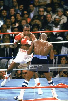 Sugar Ray Leonard (L) defends against Marvin Hagler(R) in the title for the Middleweight Champion at Caesars Palace on April 6, 1987 in Las Vegas, Nevada. Leonard would win by Split decision.