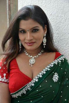South Indian Actress Boobs Hot Show Hot Actresses, Beautiful Actresses, Indian Actresses, Tamil Actress, Bollywood Actress, Bollywood Hair, Aunty Desi Hot, Indian Wife, Saree Photoshoot
