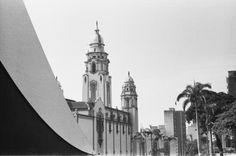 Vista lateral oeste del Panteón Nacional (antigua Iglesia de la Santísima Trinidad). Caracas-Venezuela.