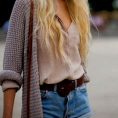 I love these looser kknit cardigans- too bad I'm a broke college student right now lol