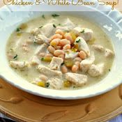 Easy Chicken and White Bean Soup  from: craft-o-maniac.com