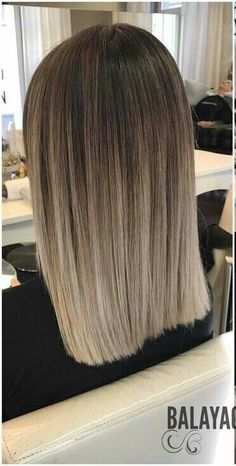 I've been wanting some like that for so long .- Llevo tanto tiempo queriendo unos así… I've been wanting some like that for so long … - Brown Hair Balayage, Brown Blonde Hair, Hair Color Balayage, Hair Highlights, Medium Hair Styles, Short Hair Styles, Ombre Hair Color, Layered Hair, Hair Looks