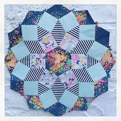 I finished my second block in time for And there was SUNSHINE today! English Paper Piecing, Diy Tutorial, Mandolin, Quilts, Blanket, Photo And Video, Pattern, Sunshine, Inspiration