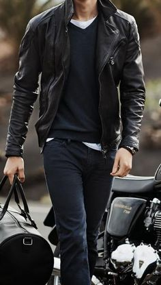 Let one of our stylists help you find clothes you& love. All online and completely free. Chubby Men Fashion, Mens Fashion, Fashion Guide, Fashion Trends, Casual Outfits, Men Casual, Fashion Outfits, Rugged Style, Mens Clothing Styles