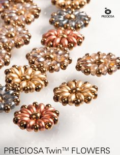 Free beading tutorial : Double-hole bead patterns (Preciosa Twins) flower motif components.  PDF download. #seed #bead #tutorial