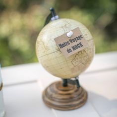 globe pour voyage de noces valise vintage urne de par Saveyourdeco, €24.90