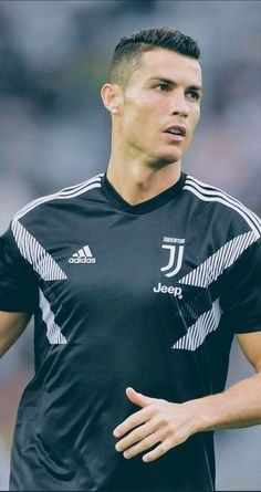 Looking for New 2019 Juventus Wallpapers of Cristiano Ronaldo? So, Here is Cristiano Ronaldo Juventus Wallpapers and Images Cristiano Ronaldo Portugal, Cristiano Ronaldo Haircut, Cristiano Ronaldo Junior, Cristiano Ronaldo Juventus, Juventus Fc, Cr7 Messi, Messi And Ronaldo, Neymar, Cr7 Wallpapers