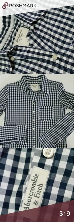Abercrombie & Fitch Men's button up navy and white This is a men's size small Abercrombie & Fitch button down. No signs of being previously loved, I ship same day and every package is sealed with a happy dance! Abercrombie & Fitch Shirts Casual Button Down Shirts