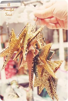 A little glitter, a little cardboard = Big effect! DIY sparkling stars The New Year a party ornament from cardboard Noel Christmas, Christmas And New Year, Winter Christmas, All Things Christmas, Xmas, Christmas Ornaments, Country Christmas, Holiday Crafts, Holiday Fun