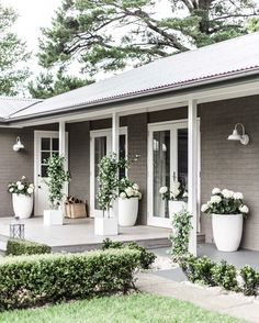 Facade house, exterior house colors и exterior barn lights. House Paint Exterior, Exterior House Colors, Exterior Design, Grey Homes Exterior, Exterior Paint Ideas, House Ideas Exterior, Home Exteriors, Brick Exterior Makeover, Ranch Exterior