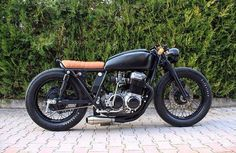 Motorcycle garage cb cafe racer new ideas Cafe Racer Honda, Cb 750 Cafe Racer, Cafe Racer Style, Cafe Bike, Cafe Racer Bikes, Cafe Racer Build, Cafe Racer Motorcycle, Motorcycle Garage, Motorcycle Design