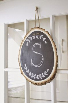 the picket fence projects: One way to slice it: an easy DIY wreath alternative