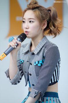 Taeyeon SNSD Girl's Generation