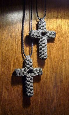 paracord crosses