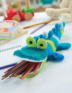 Crochet crocodile pencil case pattern