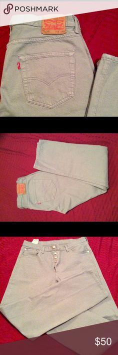NWOT Levis 501 jeans. Rare color. Brand new Levi 501 Classic jeans. Very rare light blue color. 34x34 LEVI'S 501 Jeans Straight