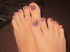 My new toenail design for the week :) Sally Hansen Mighty Mango & Unknown brand in Tidal Wave