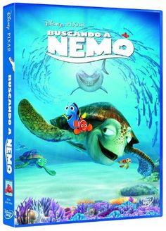 """""""Buscando a Nemo"""" Pixar: Nemo, un joven pez payaso, es capturado por unos buceadores en presencia de su súper protector padre, Marlin. Ante la adversidad, Marlin se fija el objetivo de su vida: encontrar a Nemo. Para ello, contará con la ayuda de la entrañable y olvidadiza Dory. La épica búsqueda les llevará a conocer desde tiburones vegetarianos, tortugas surfistas y medusas hipnóticas, hasta hambrientas gaviotas."""