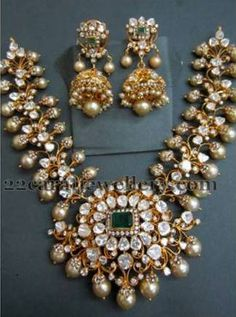 Kundan Broad Pachhi Necklace
