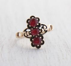 Antique Victorian 10K Yellow Gold Garnet Ring - Size 7 Late 1800s Rosy Yellow Gold Fine Jewelry / Triple Stacked Stones on Etsy, $240.00