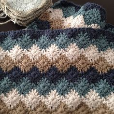want to try this harlequin stitch - this would be cute for a baby blanket