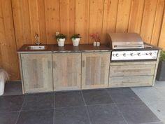 Barbecue, buitenkeuken steigerhout bbq