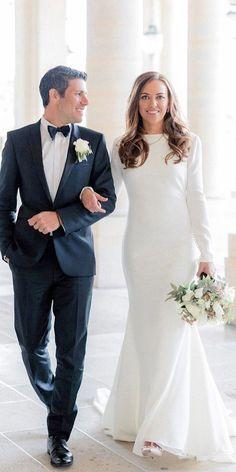24 Modest Wedding Dresses Of Your Dream - Wedding Elegant Wedding Gowns, White Wedding Dresses, Designer Wedding Dresses, Bridal Dresses, Modest Wedding Dresses With Sleeves, Trendy Wedding, Costumes Assortis, Couples Assortis, Pronovias