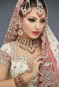 Maquillaje India