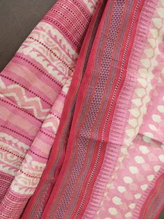 Beautoful pink dabu prints on Tussar