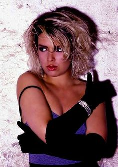 KIM SEXY Pop Singers, Female Singers, Kim Wilde, Top 40 Hits, Uk Singles Chart, Kim Novak, Paul Weller, Shannen Doherty, Blondie Debbie Harry
