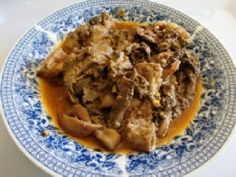 13 Tswana foods every Motswana should eat before they die - Botswana Youth Magazine Tripe Recipes, Meat Recipes, Good Food, Yummy Food, Delicious Recipes, Stewed Potatoes, My Plate, Food Preparation, Curry