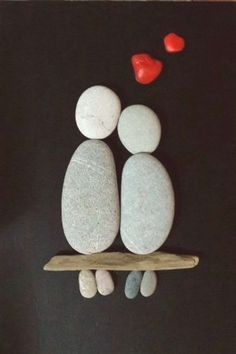 art diy 50 of the Best Creative DIY Ideas For Pebble Art Crafts Stone Crafts, Rock Crafts, Diy And Crafts, Arts And Crafts, Art Crafts, Art Rupestre, Pebble Art Family, Art Pierre, Pebble Pictures