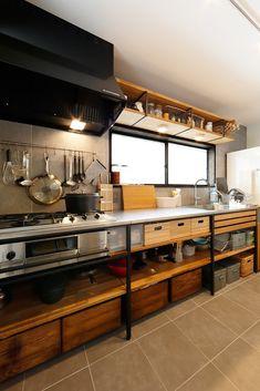 Fantastic kitchen style are available on our site. Loft Kitchen, Studio Kitchen, Farmhouse Style Kitchen, Home Decor Kitchen, Rustic Kitchen, Diy Kitchen, Home Kitchens, Industrial Kitchen Design, Interior Design Kitchen